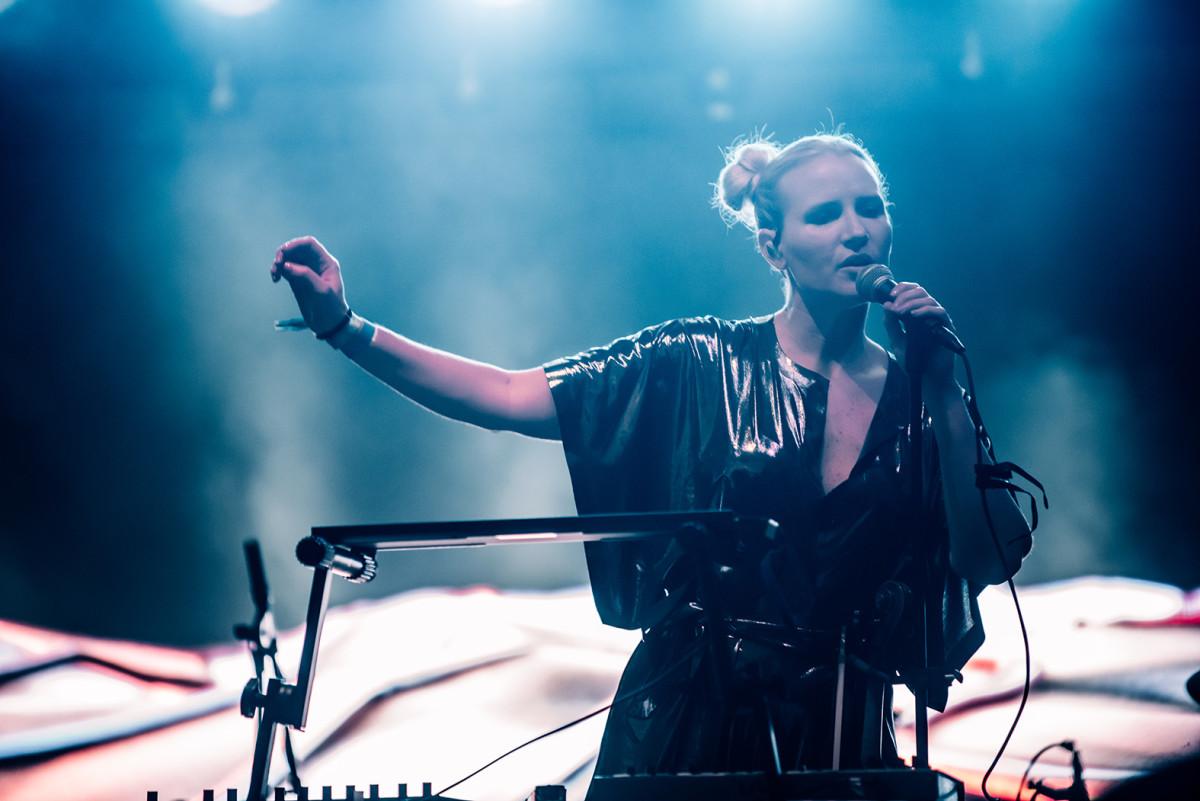 Laura Escudé Live Performance at the Belmont, SXSW 2019