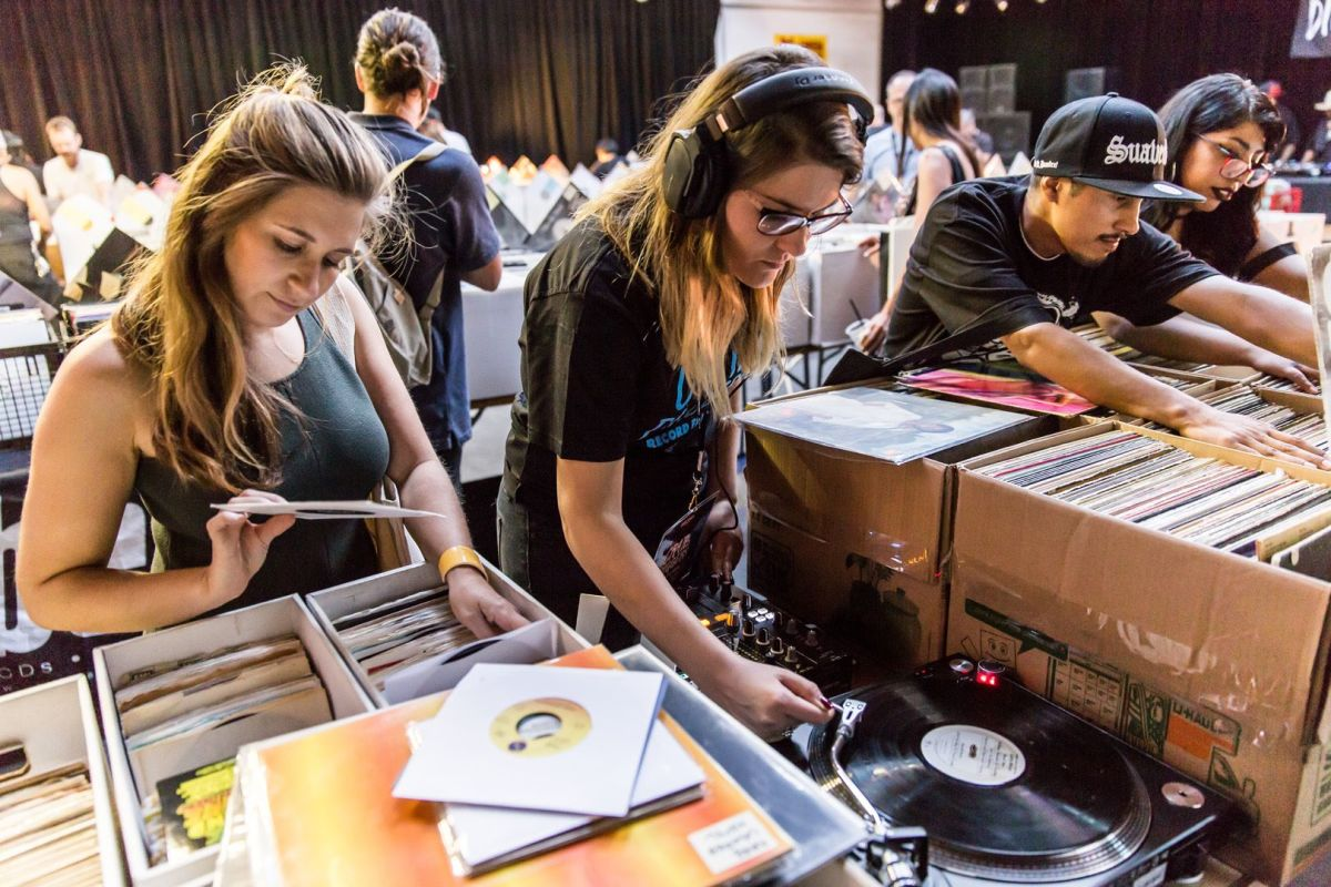 Discogs Vinyl Record Store