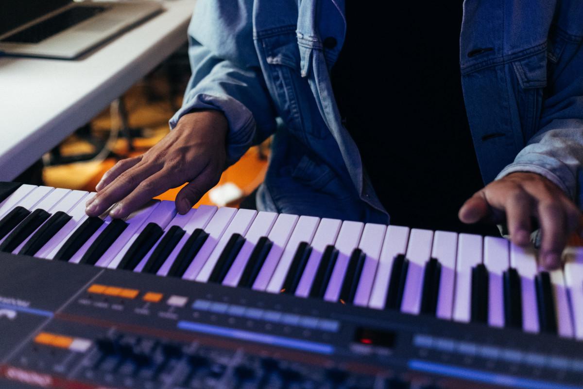 CRi Roland Juno 106
