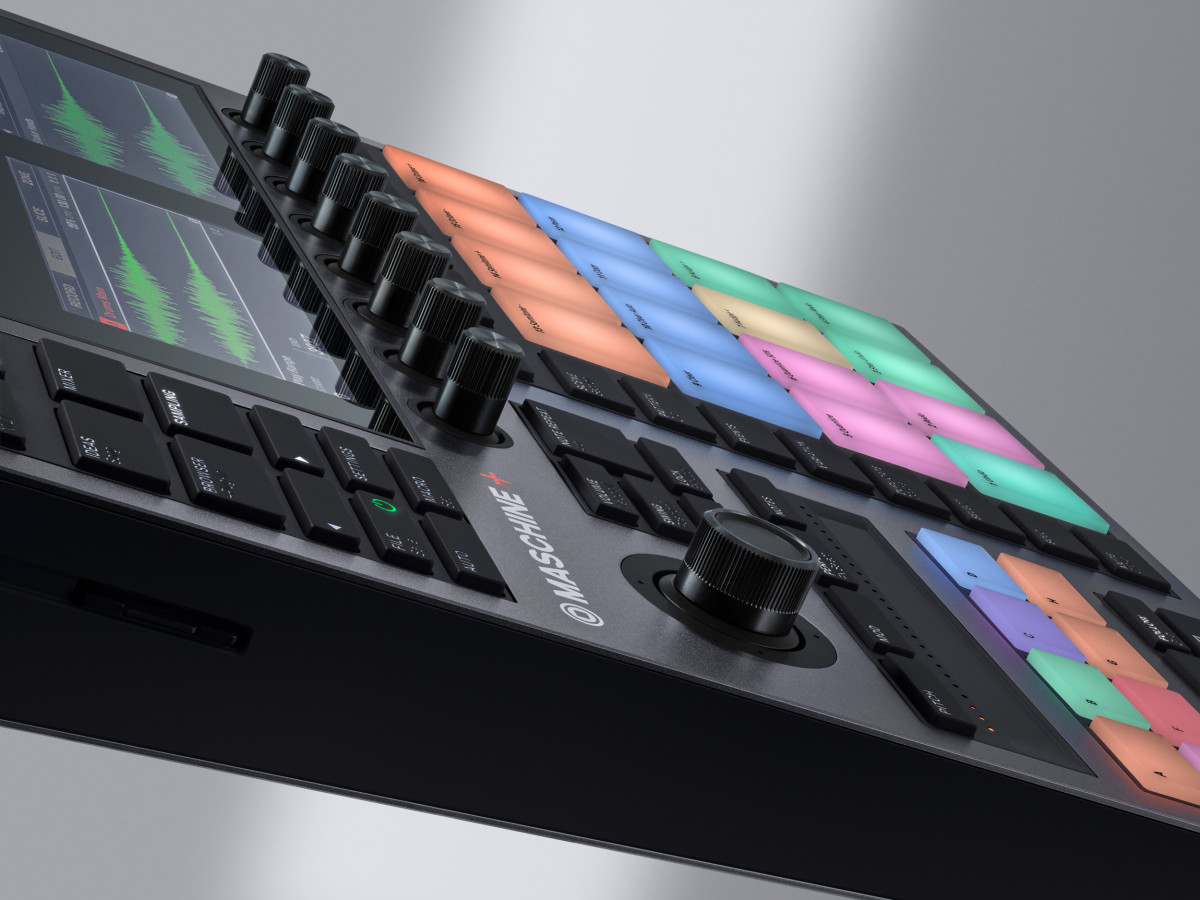 Maschine-Plus-angle-03