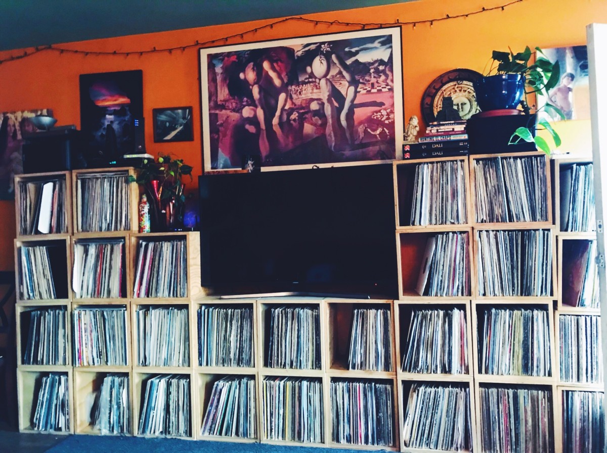 Justin's wall of vinyl for DDJ-1000 review