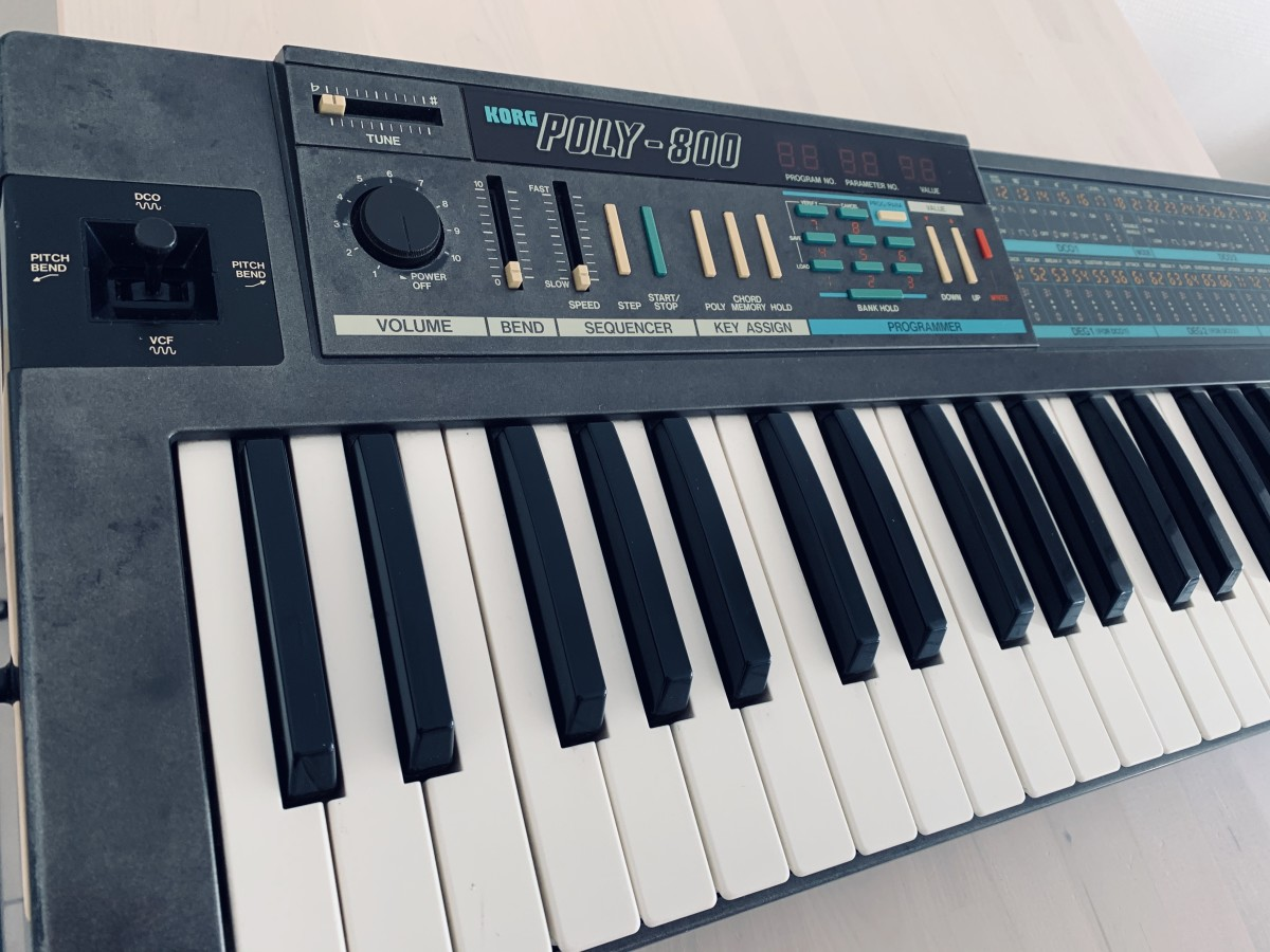 Poly 800 Synth