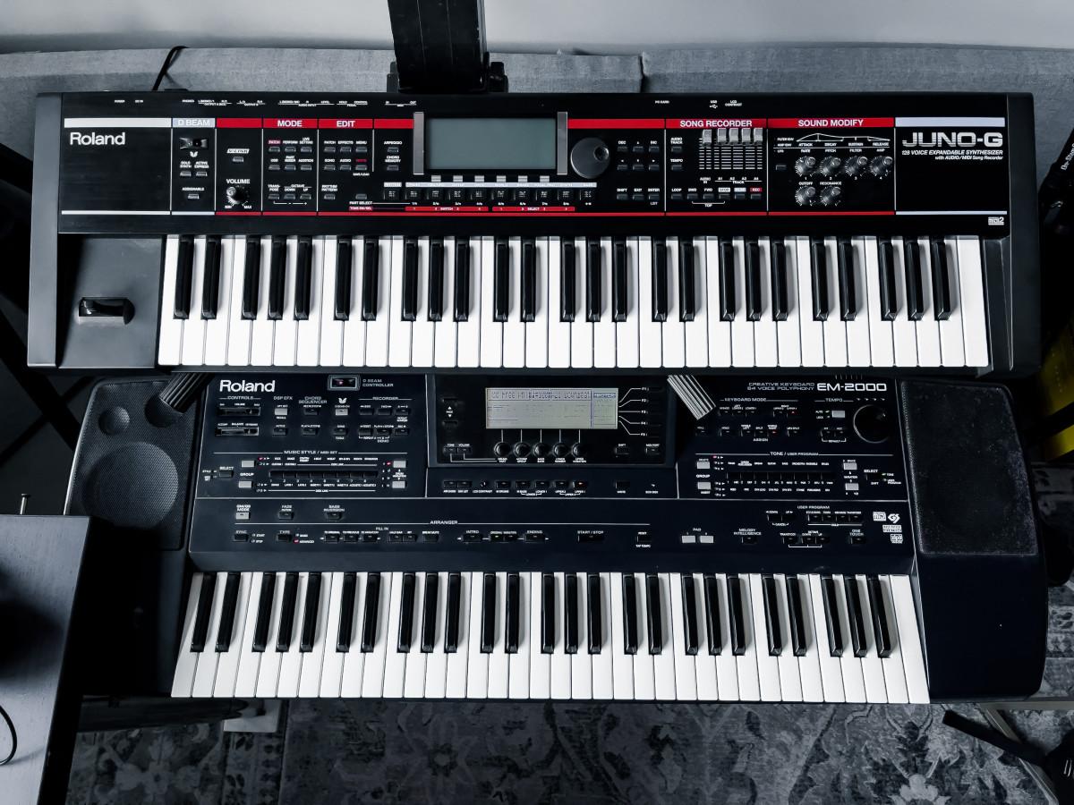Roland Juno G + Roland EM-2000