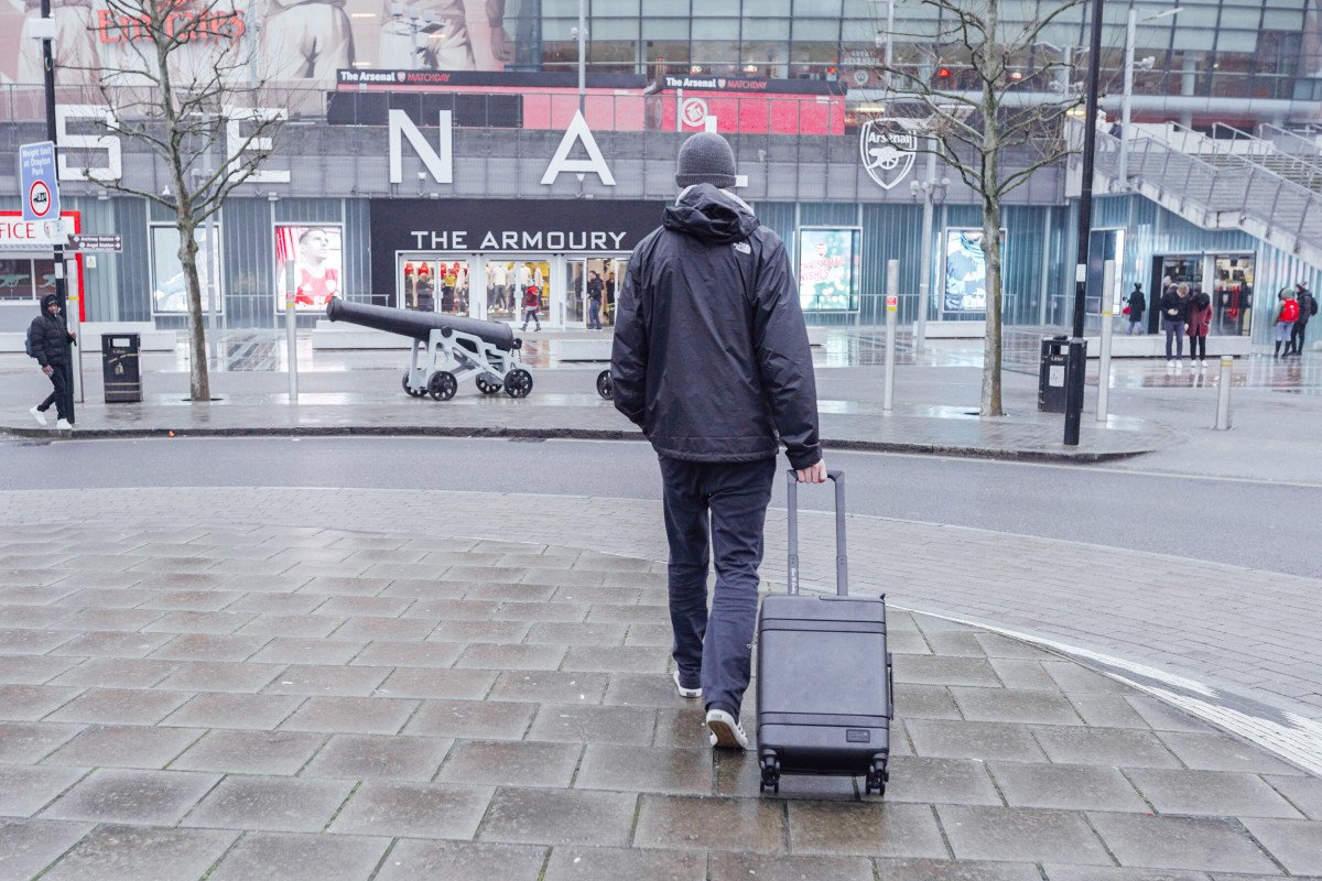 Hex Wireless Carry On Suitcase City