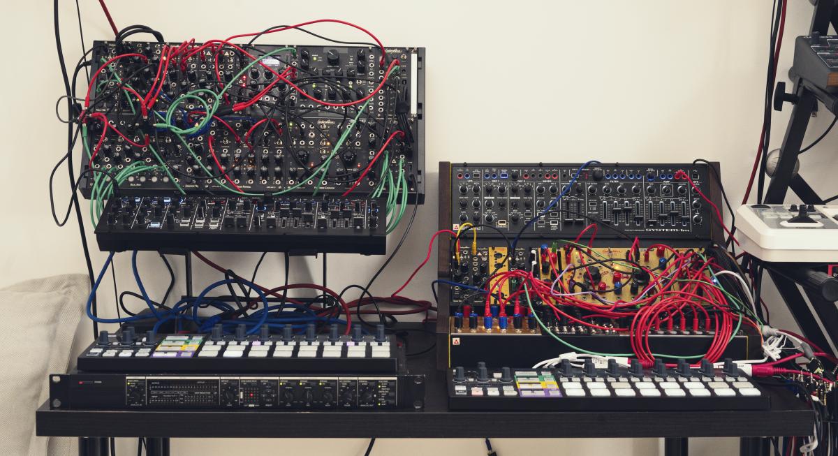 Julia Bondar Synths Machines, Modular