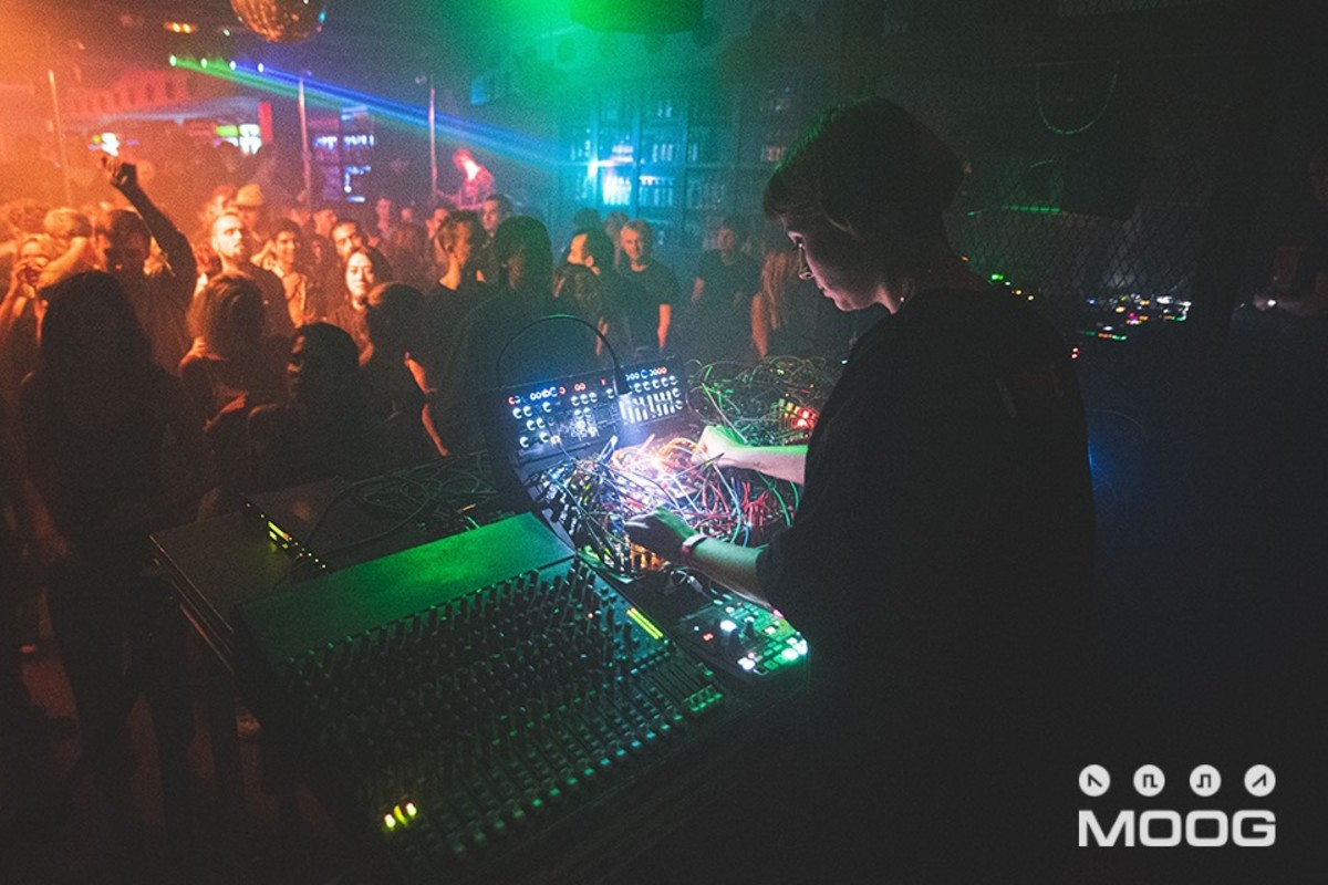 Julia Bondar Nightclub Moog