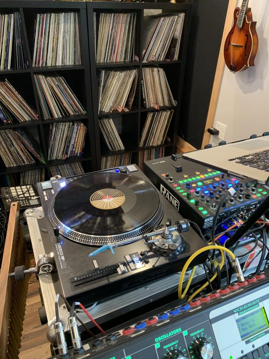 DJ Sampling Station Turntable Vinyl