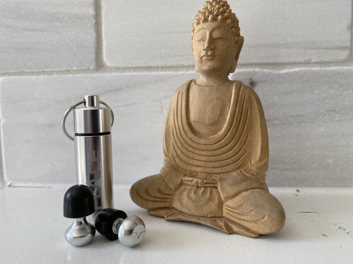 Isolate 2 and sitting Buddha to make my point.