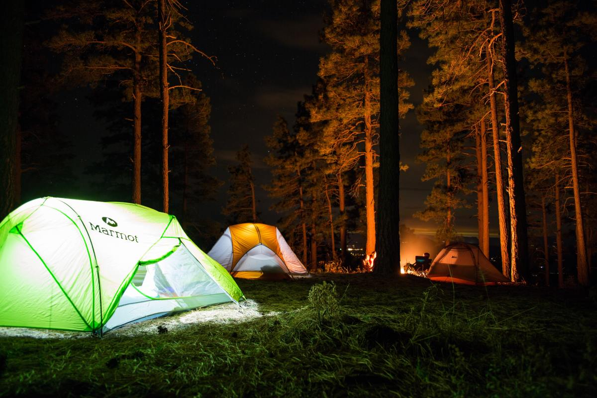 Spotlight: 11 Essentials Every First-Time Camper Needs - Magnetic Magazine