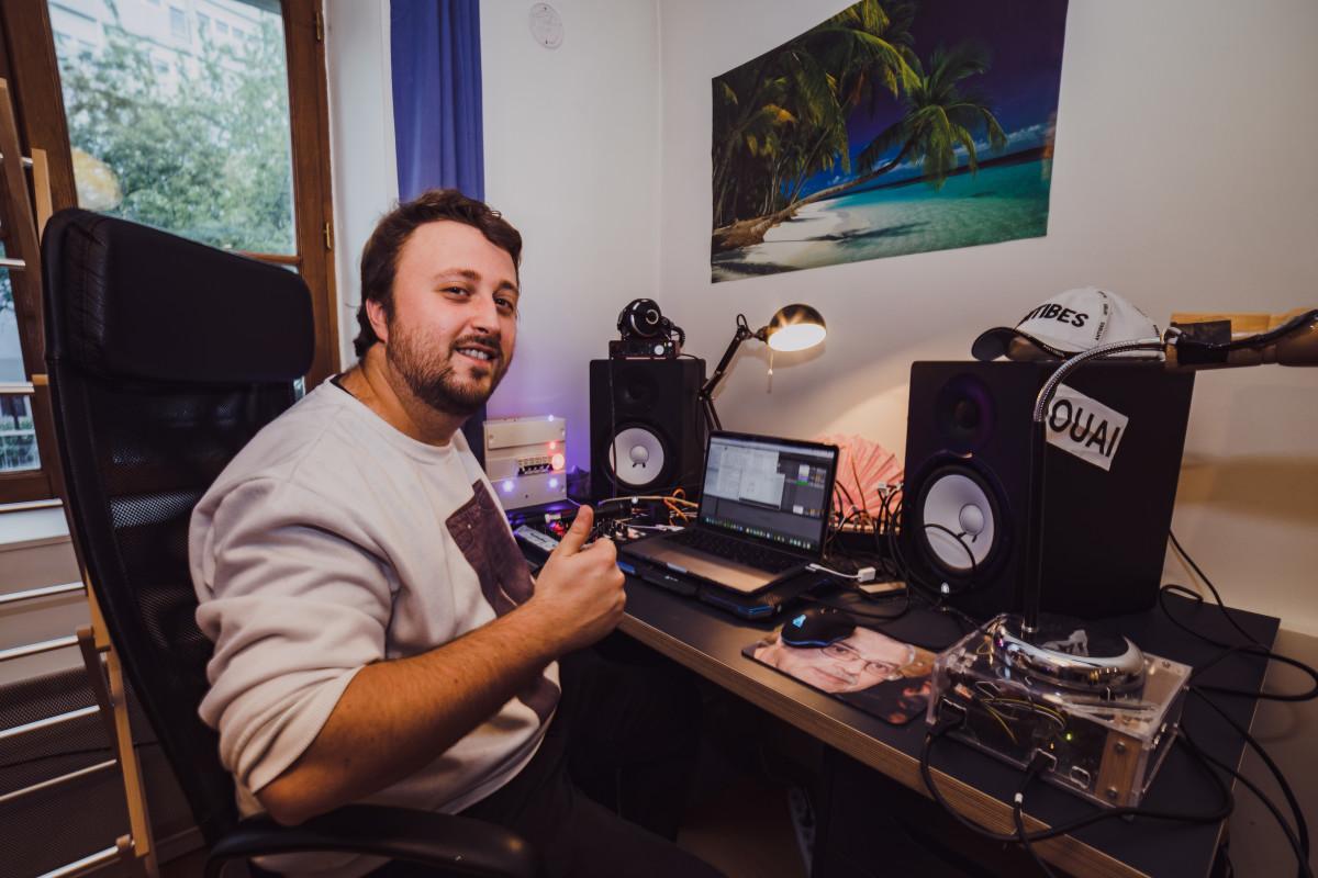 Ouai Stephane and his simple setup