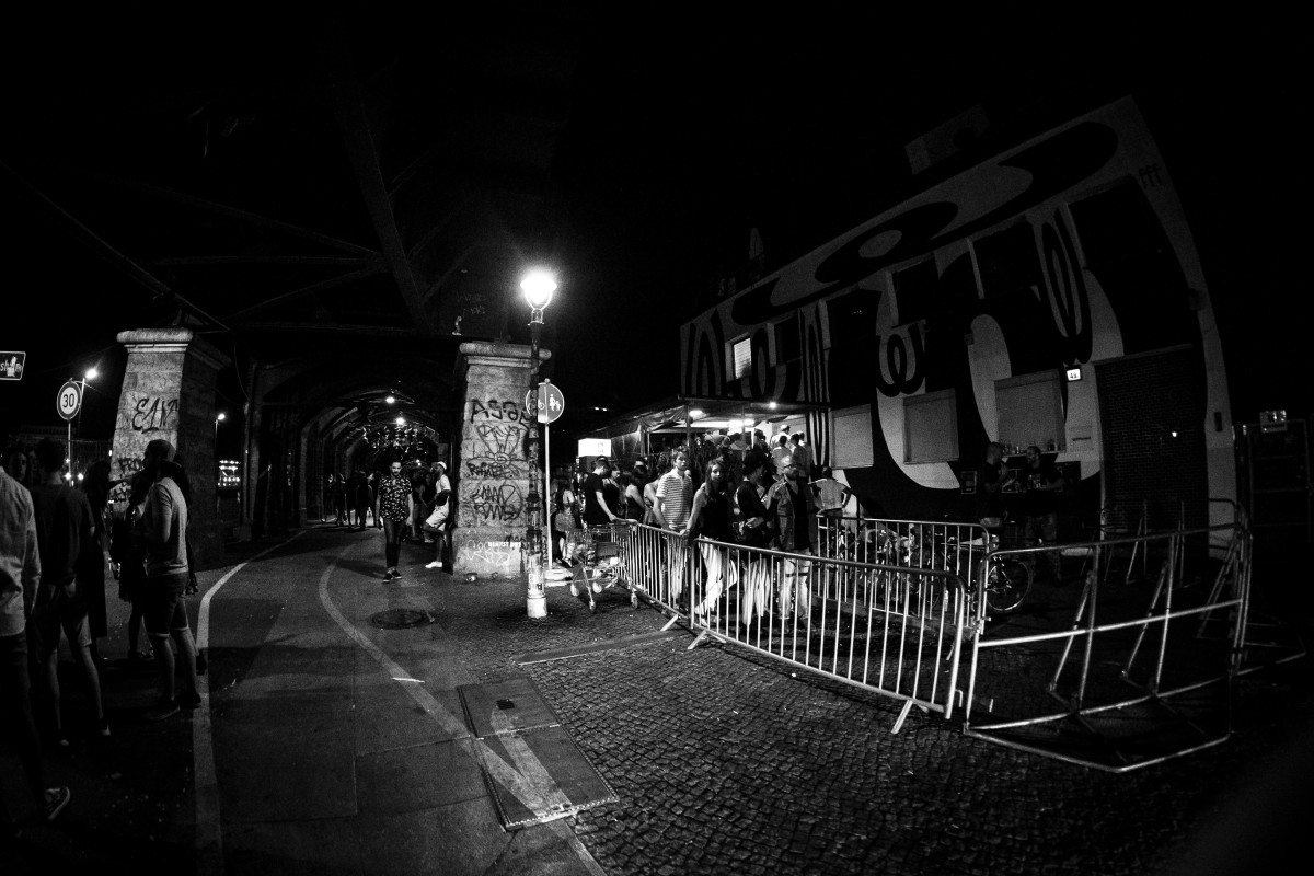 Watergate Nightclub night crowd line