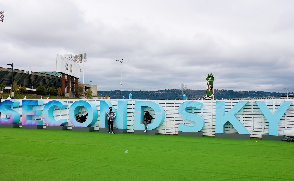 Second Sky 2021 Lettering Installation