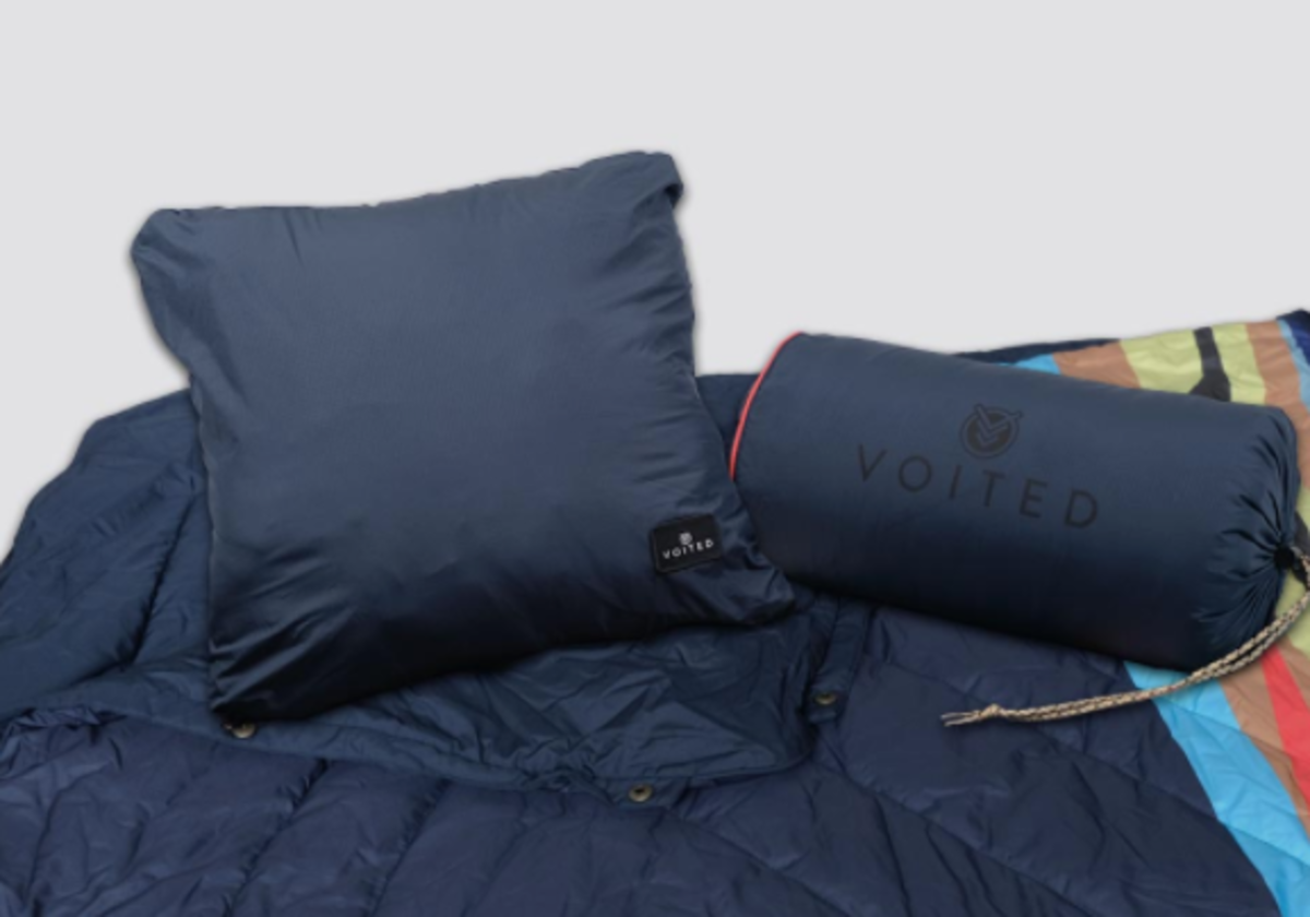 The Voited Ripstop Outdoor Camping Blanket 4-In-1 PILLOWBLANKET